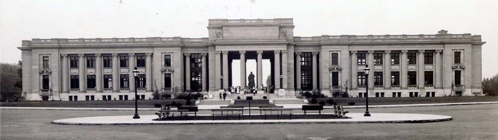 Jefferson Memorial Building from the north. Photograph by W.C. Persons, ca. 1919. Missouri Historical Society Photographs and Prints Collection. NS 22882. Scan © 2004, Missouri Historical Society.