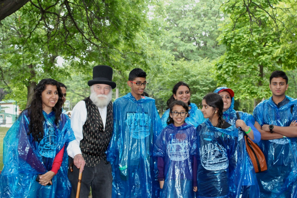 Olmsted meets people at Niagara Falls